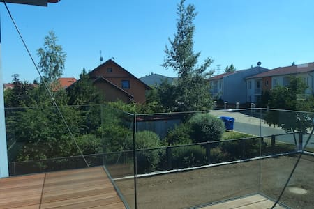 Flat in quiet location and close to the Prague - H - Vestec