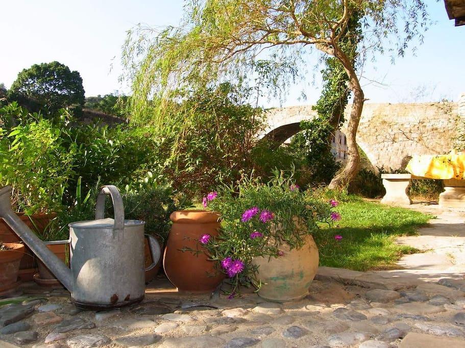 Jardin privé côté rivière
