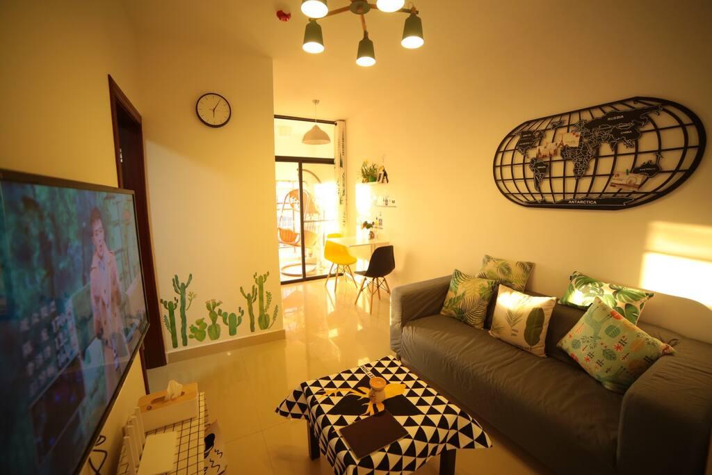 温馨小客厅适合三五朋友小聚 cozy living room
