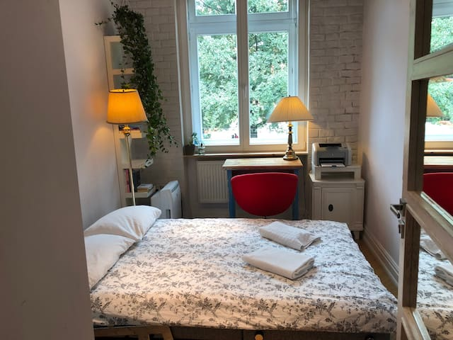 Room for rent - with unfolded sofa