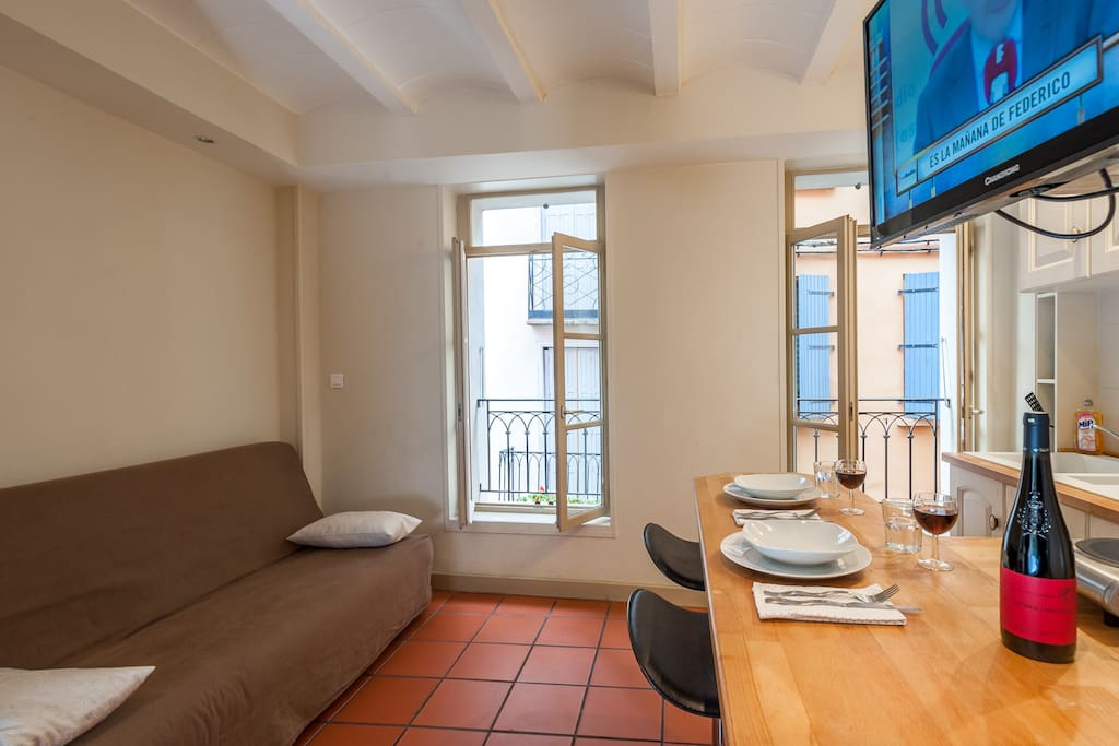 fully equipped open plan