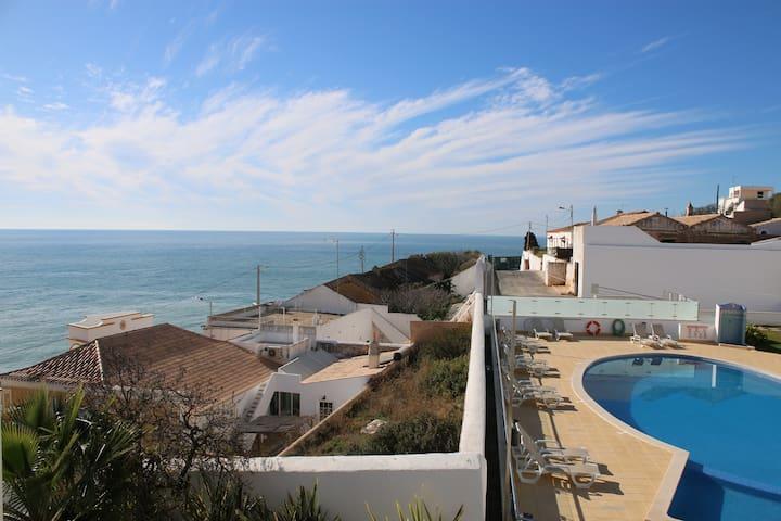 Carvoeiro Bay, Pool & Garage