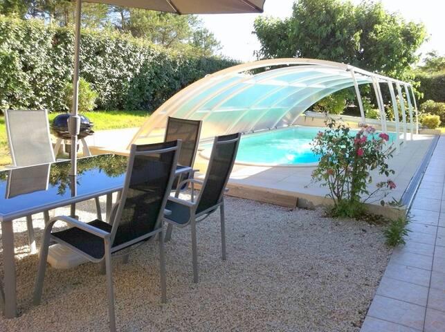 Maison avec piscine couverte, classée 3*, à 600 m des plages - 8 pers - MIMIZAN PLAGE