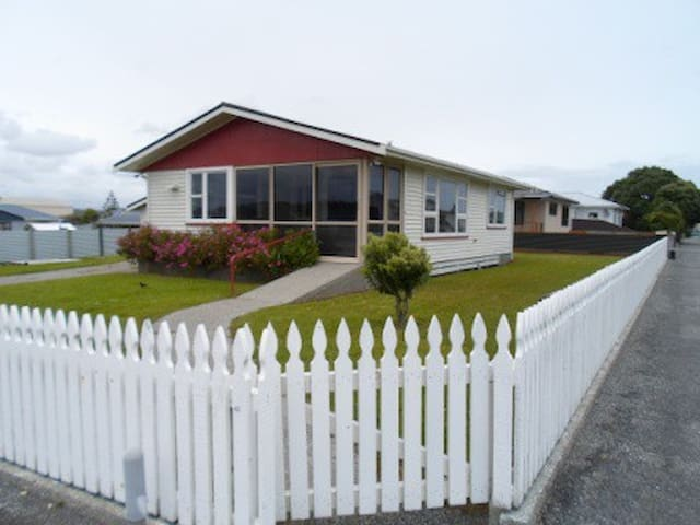 Billy's Cottage - Hokitika - Hus
