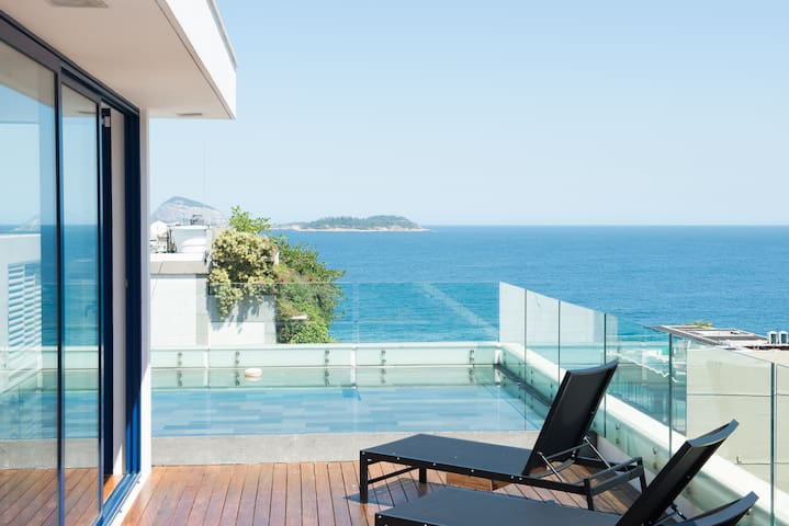 !! GORGEOUS  DESIGN PENTHOUSE IPANEMA !!