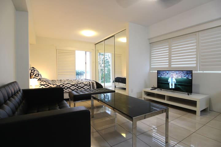 RIVER FRONT LIVING !! YOUR PICTURE PERFECT HOLIDAY - Kangaroo Point - Wohnung
