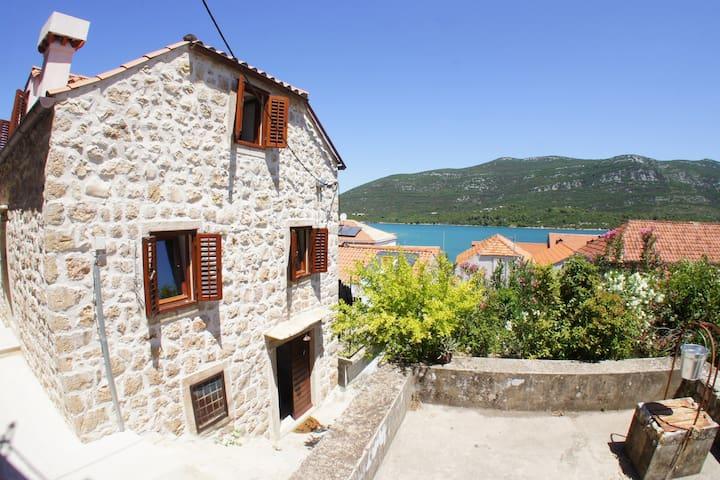 Mediterranean Villa ****