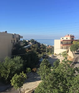 Sea view studio, 10 min walk to LAU - Byblos