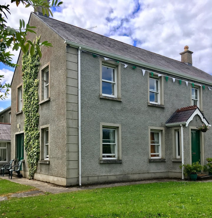Cosy riverside house, Garrison