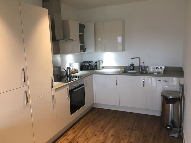 Spacious and open flat in South London
