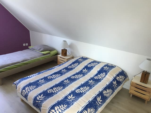 Chambre 3, à l'étage, un lit double + un lit simple