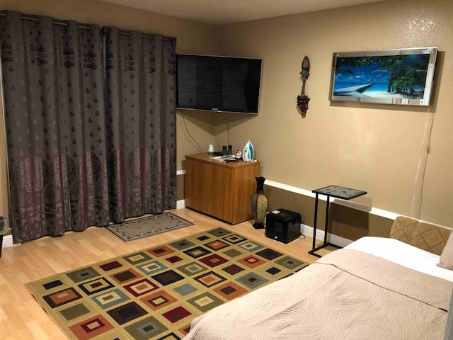 Cozy room on Norwood ave Daly City