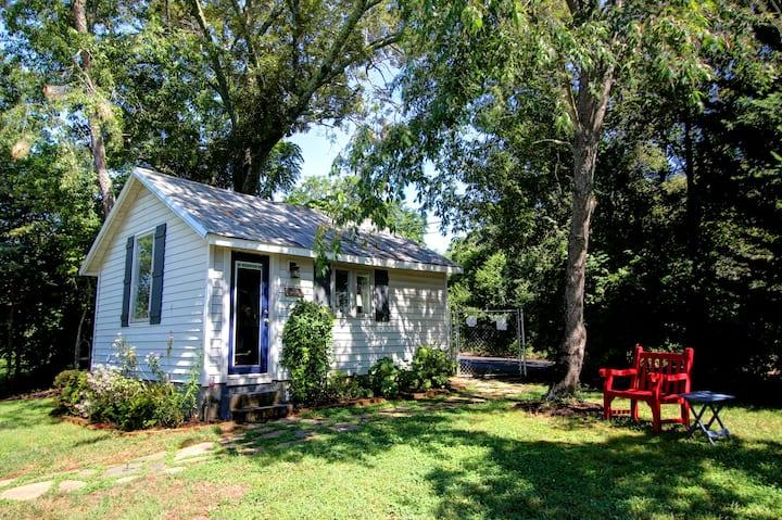 The Last Minute Cottage Getaway