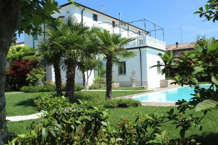 B&B Stanza da 2 Villa Lago di Garda