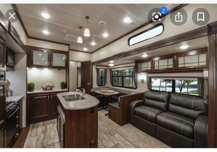 Spacious Camper for family fun