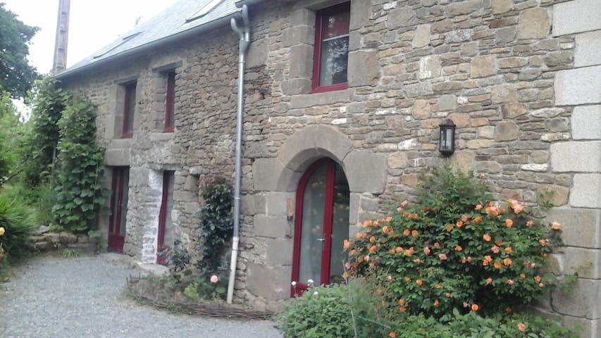 Studio campagnard entre St Malo et  Mt St Michel - Baguer-Morvan - Hus