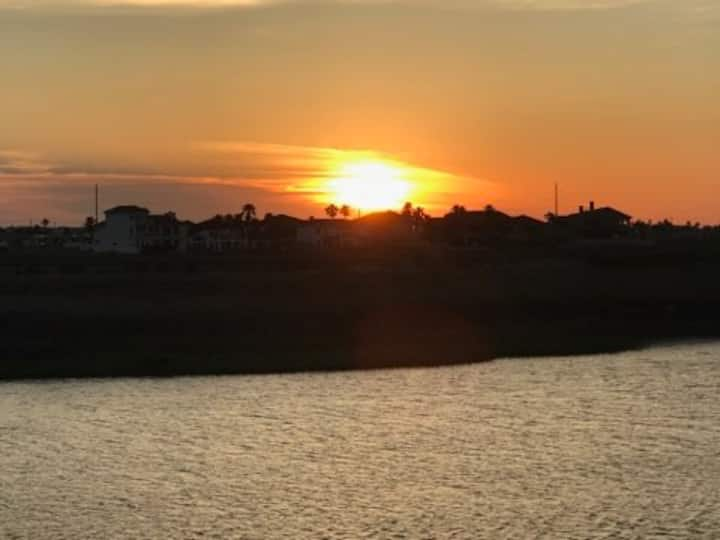 A9 Padre Island Waterfront Condo-Great View!