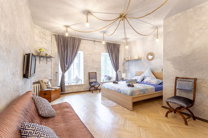 Unique apartment close to Kazan Cathedral