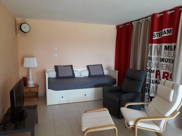 Appartement type T2 en rez-de-chaussée de Villa