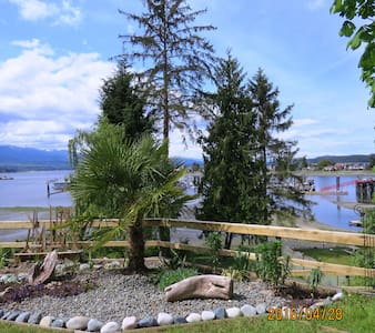 Relax, rejuvenate & recuperate at Deep Bay Retreat - Nanaimo H - Apartemen