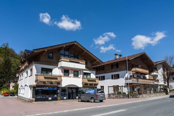 Apartamento de lujo cerca de la estación de esquí y el lago en Tirol
