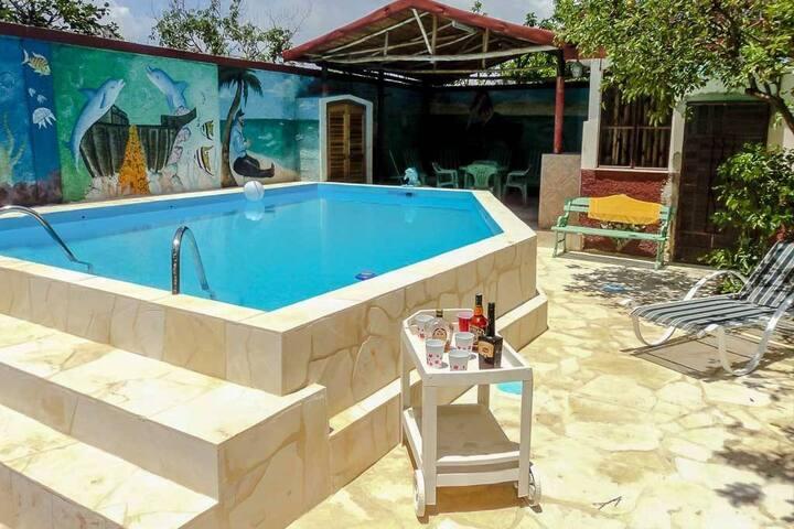 Casa Myriam piscina 3hab -Habana- MiAlquilerEnCuba