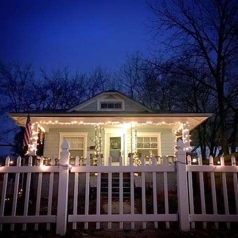 Little Blue Brookside Bungalow - Kansas City - Casa