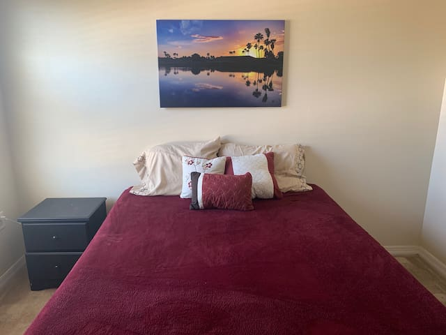 Cozy room near Disney
