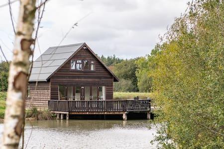 Lakeside Retreat- The Boat House