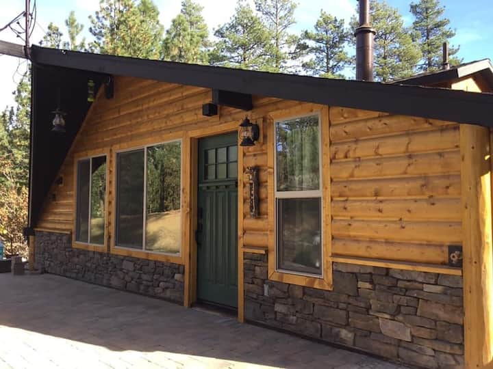 "Cozy Cabin Unit ""R Hidden Gem""-Walk to Lake-Spa"