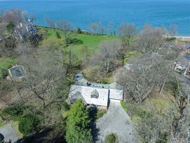 Beautiful waterview and steps to Private Beach