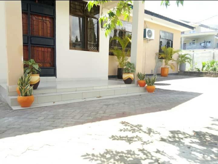 Mashi Villa; Serene, Nice, Comfortable Family Home