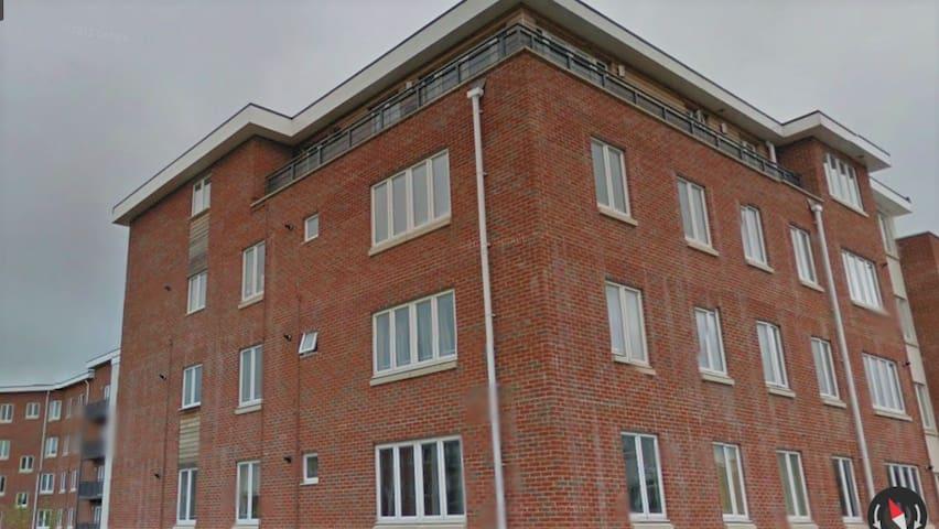 Maidenhead - Stunning 3 bedroom Penthouse