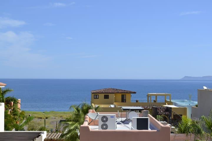 Sunny Loreto Bay Villa; steps to pool, beach, eats