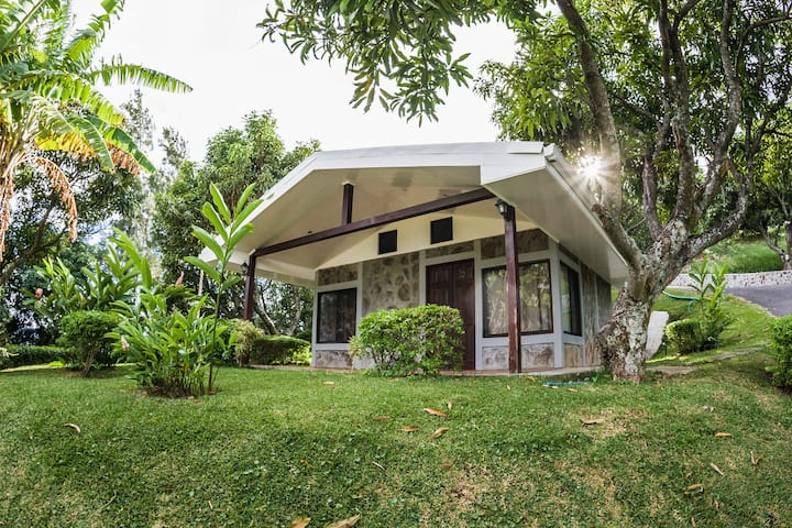 Cottages with scenic views of Costa Rica 1