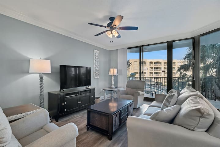 Phoenix on the Bay 2206 - Stunning Condo with Lazy River & Bay Views!