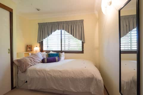 Balinese  student single room Females only please