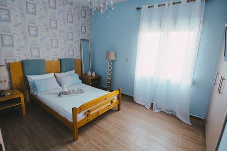 """Blue White"" Family Appartments - Nea Plagia - Wohnung"