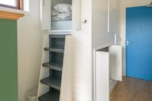 The Burrow sleeps 4 and offers a cosier feel but still light and airy. It also has its own large en-suite shower room.