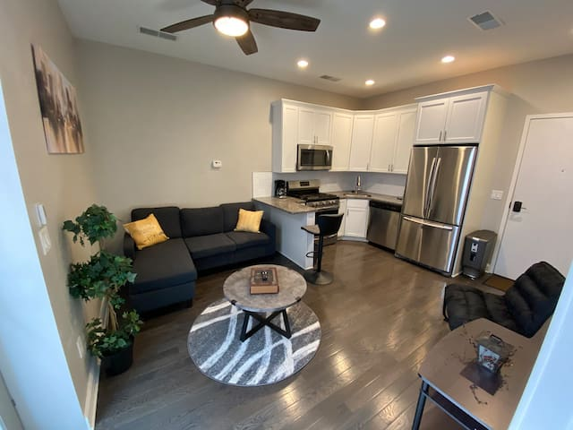 Luxury cozy apartment in Downtown!