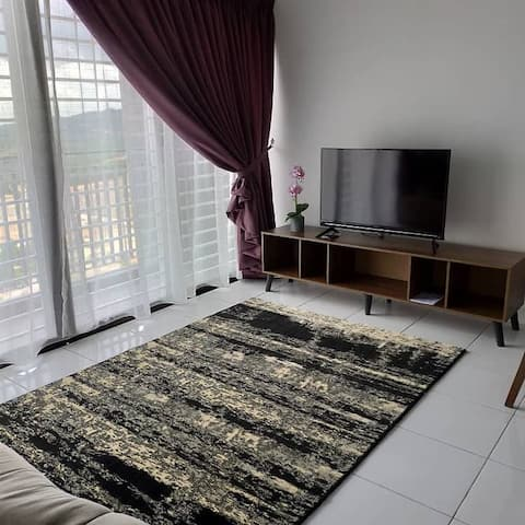 Warm & Cosy High Rise bedroom with Infinity pool