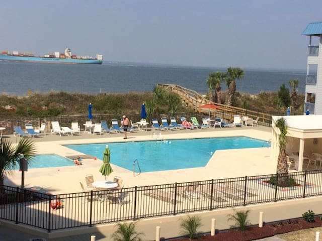 Sun is shining in Tybee! Great fall rates!