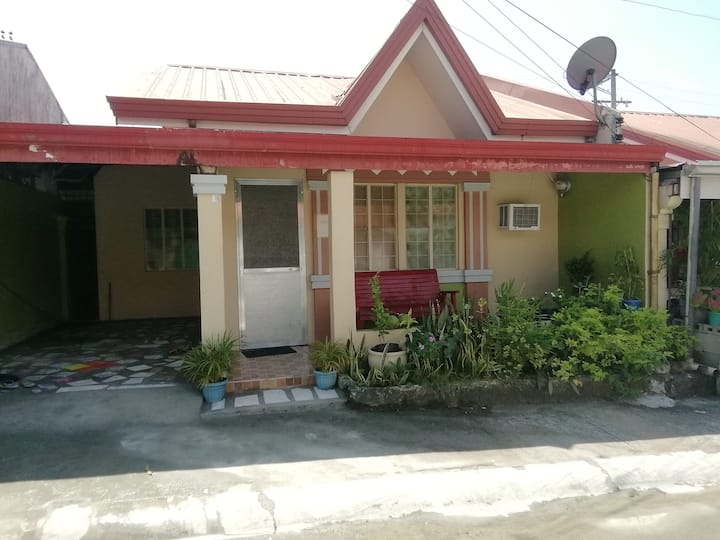 Laly's cozy Vacation Townhouse - 10 km to SBMA