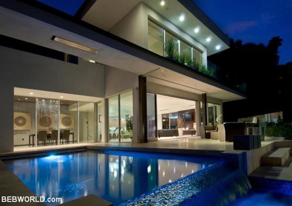 West hollywood hills modern hillside sunset strip for Rent house for a night