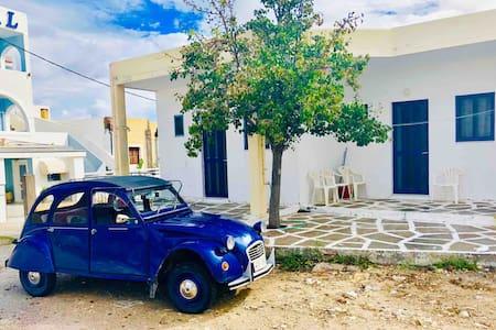 Sea view and Greek charm | Fistiki Apartment