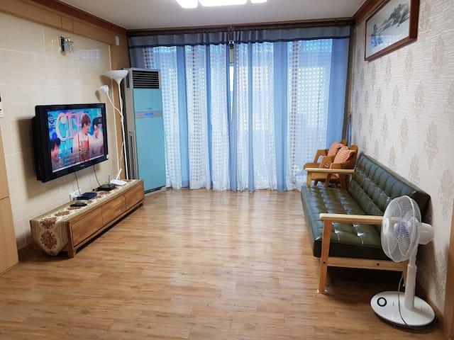 바다를 품은 2층 독채 핫썬 하우스 #소호동동다리 바다 30미터#여수밤바다#소호요트장