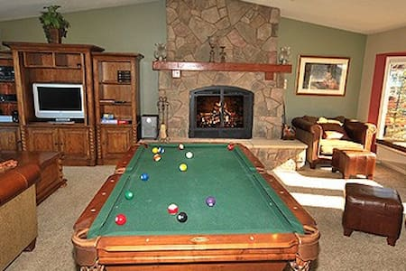 Spacious Waterfront Home, Pool Table and Hot Tub - South Lake Tahoe