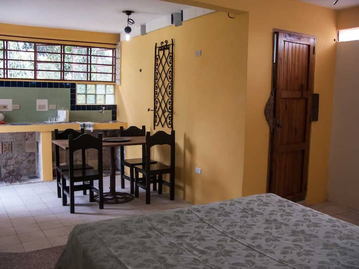 Havana Airport rent rooms (safe stay cleaning)