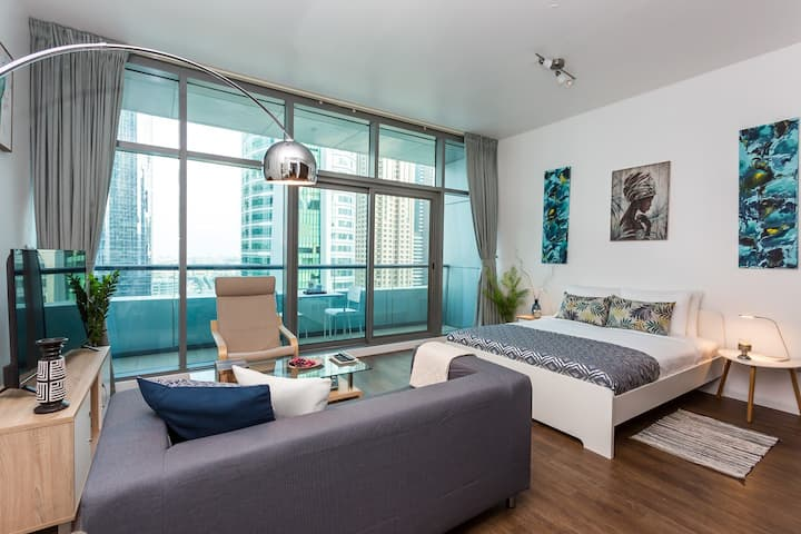 Modern and Spacious Studio in JLT Ideal For Two