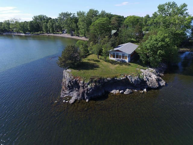 Lakehouse on a Bluff with Breathtaking Views! - Saint Albans - Maison